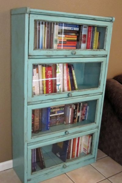 DIY Bookshelf Update