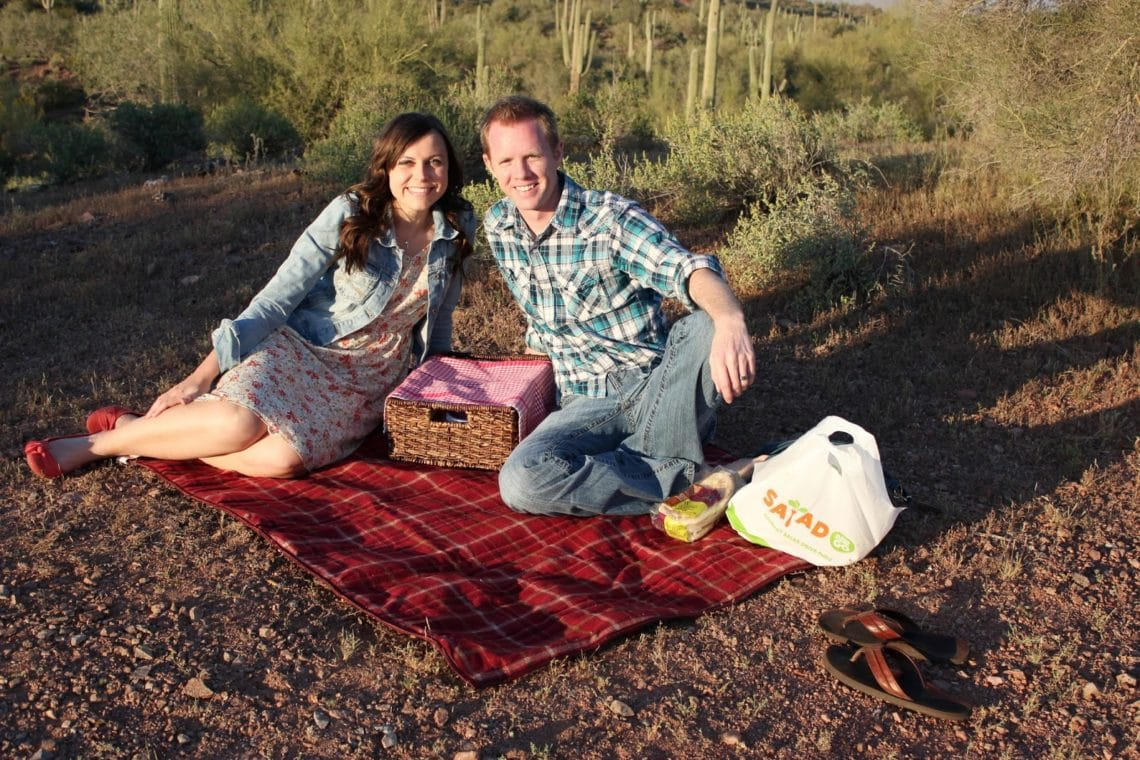 romantic sunset picnic: picnic date ideas for the perfect date!