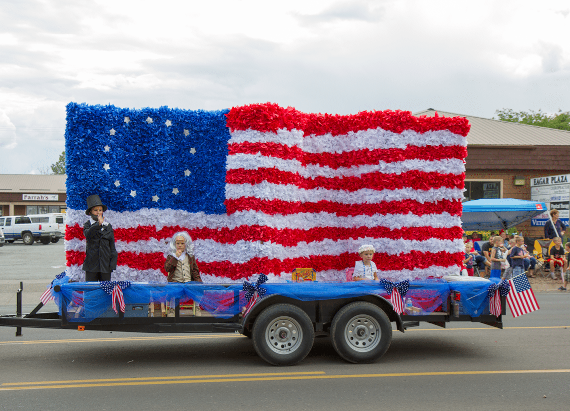 4th Of July Small Town Parades Friday Were In Love