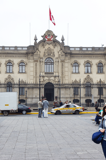 7 Days in Peru: Day 7- Lima Government Palace and Plaza Del Armas