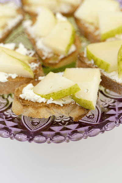 Pear and goat cheese bruschetta: One of the easiest and most delicious holiday appetizer recipes perfect for holiday parties!