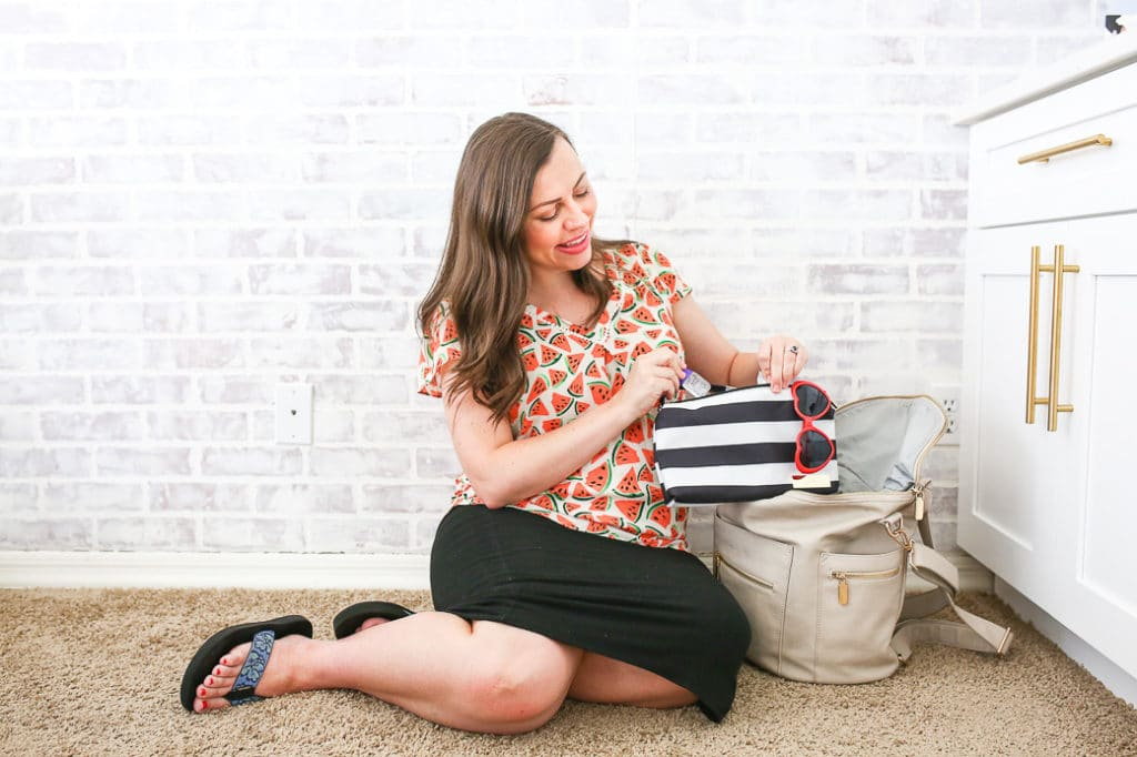 Diaper Bag must haves for mom